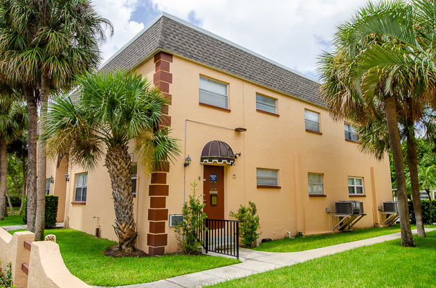 Palm Bayou Apartments